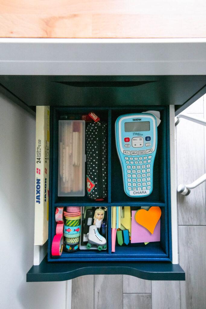 portaoggetti in un cassetto